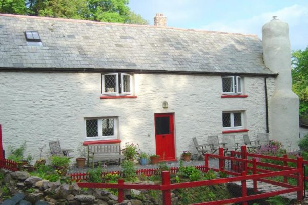 Cascade cottage, sleeps 6 near Tarr Steps