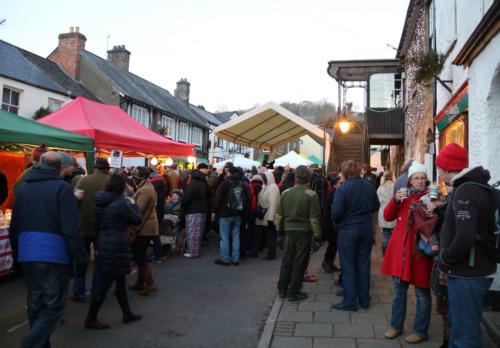 Browse the Dulverton Market Stalls