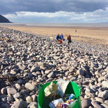 April | Coffee & Cake Beach Clean!