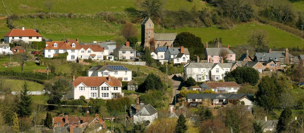 top 10 places to stay wootton courtenay