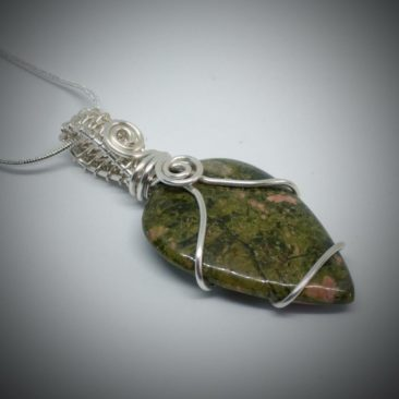 Make jewellery with Debbie Brannen